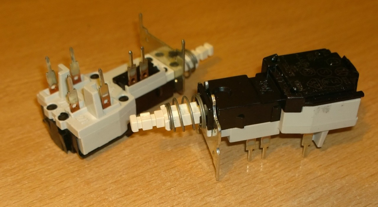 Commodore 1084 / Philips 8833 replacement power switch