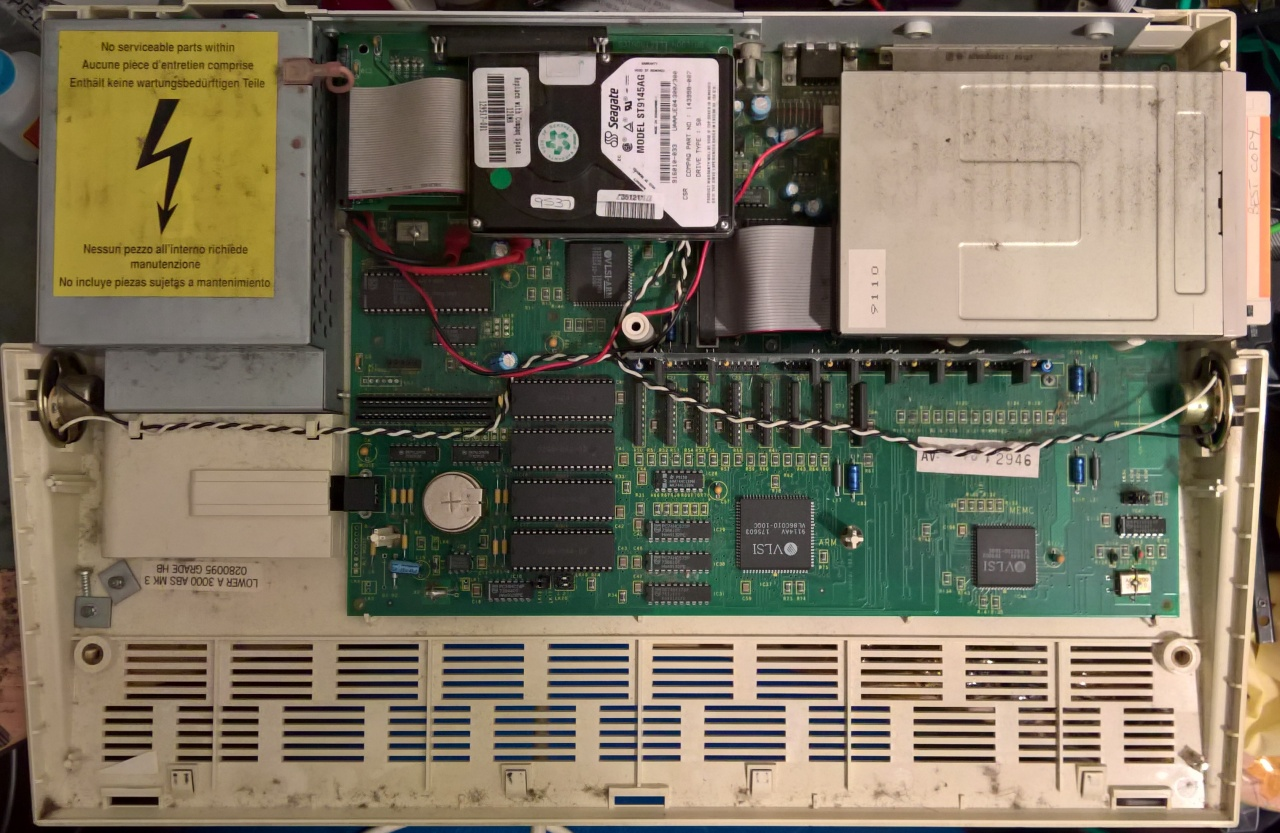 Acorn Archimedes A3000 Repair + Mouse Conversion